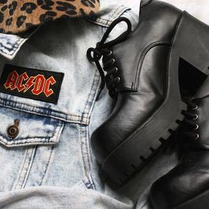 Shoes - Jolie Victoria Platform Boots